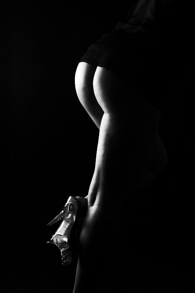 Nackt und Bekleidet Frauen - Bilder und Foto Galerie