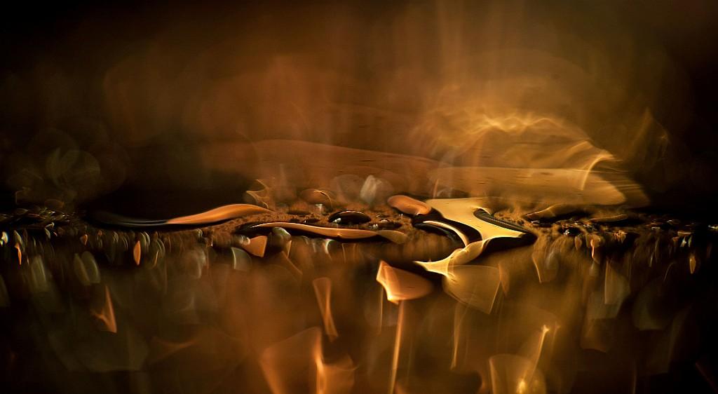 IMAGE: http://www.4photos.de/galerie/Sonstiges/slides/Gold.jpg